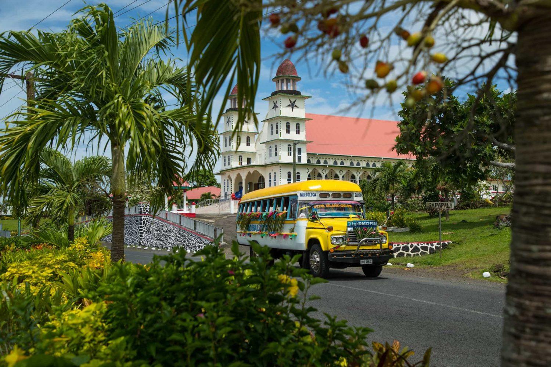 Church & Bus, Savaii © Samoa Tourism Authority