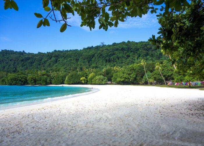 Champagne Beach, Espiritu Santo © David Kirkland