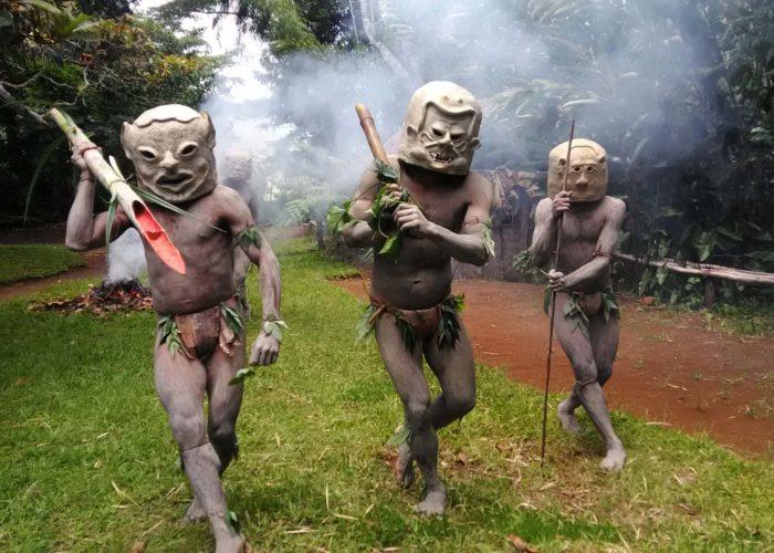Asaro Mudmen © PNG Explorers International