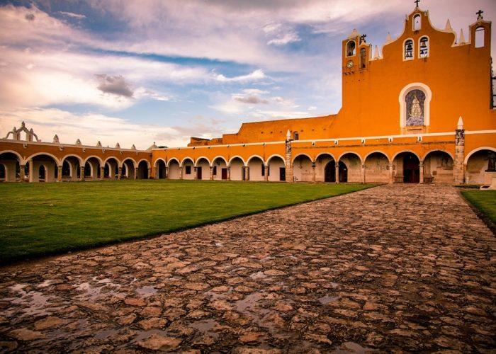 Kloster, Izamal, Yucatán, Mexiko © Tanja Cotoaga on Unsplash