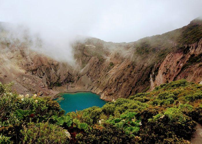 Volcan Irazu National Park, Costa Rica © Alex Ip on Unsplash