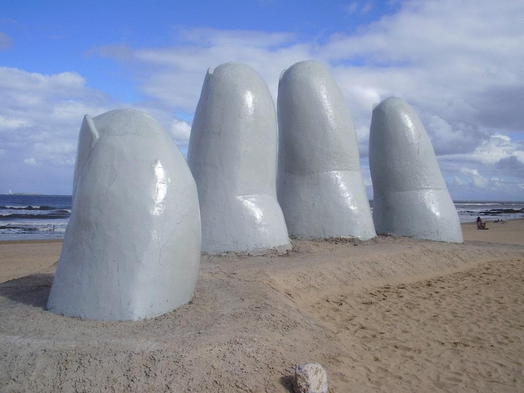 Los Dedos de Punta del Este, Uruguay