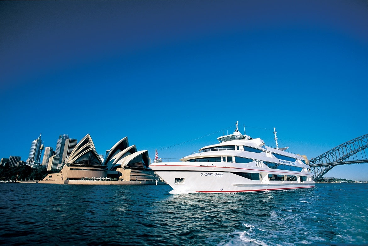 Captain Cook Harbour Cruise © AAT Kings
