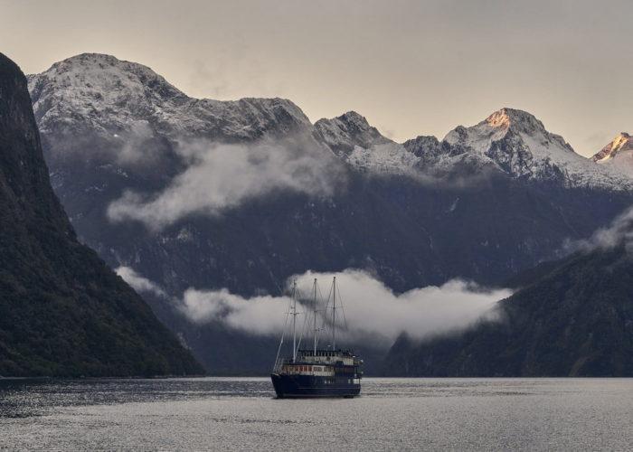 Milford Mariner Overnight Cruise
