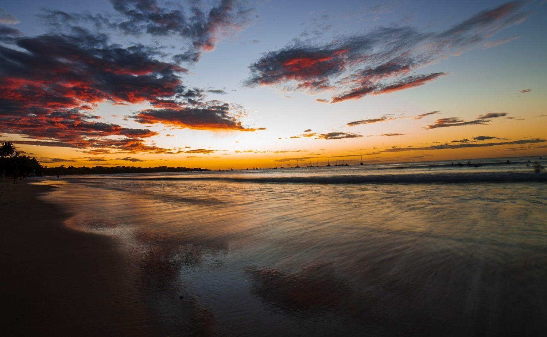 Tamarindo, Costa Rica © Nathan Farrish on Unsplash