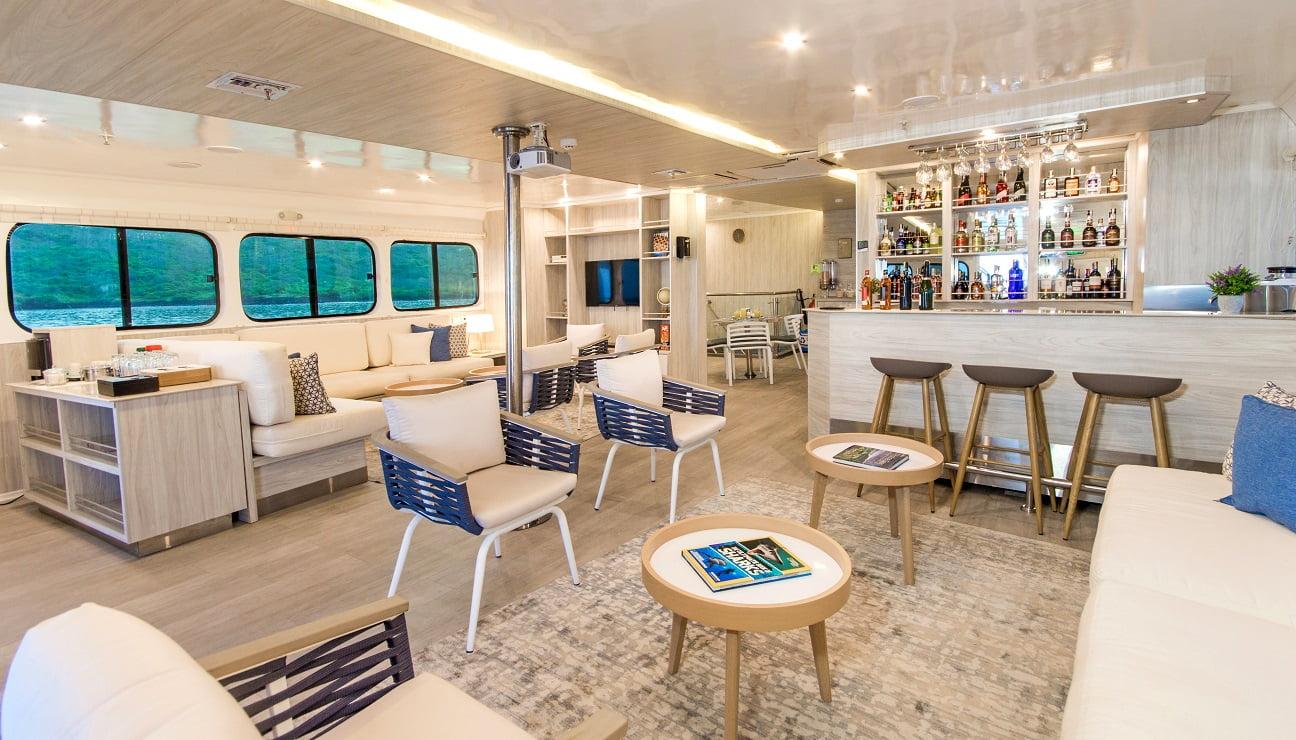 Solaris, Indoor Lounge
