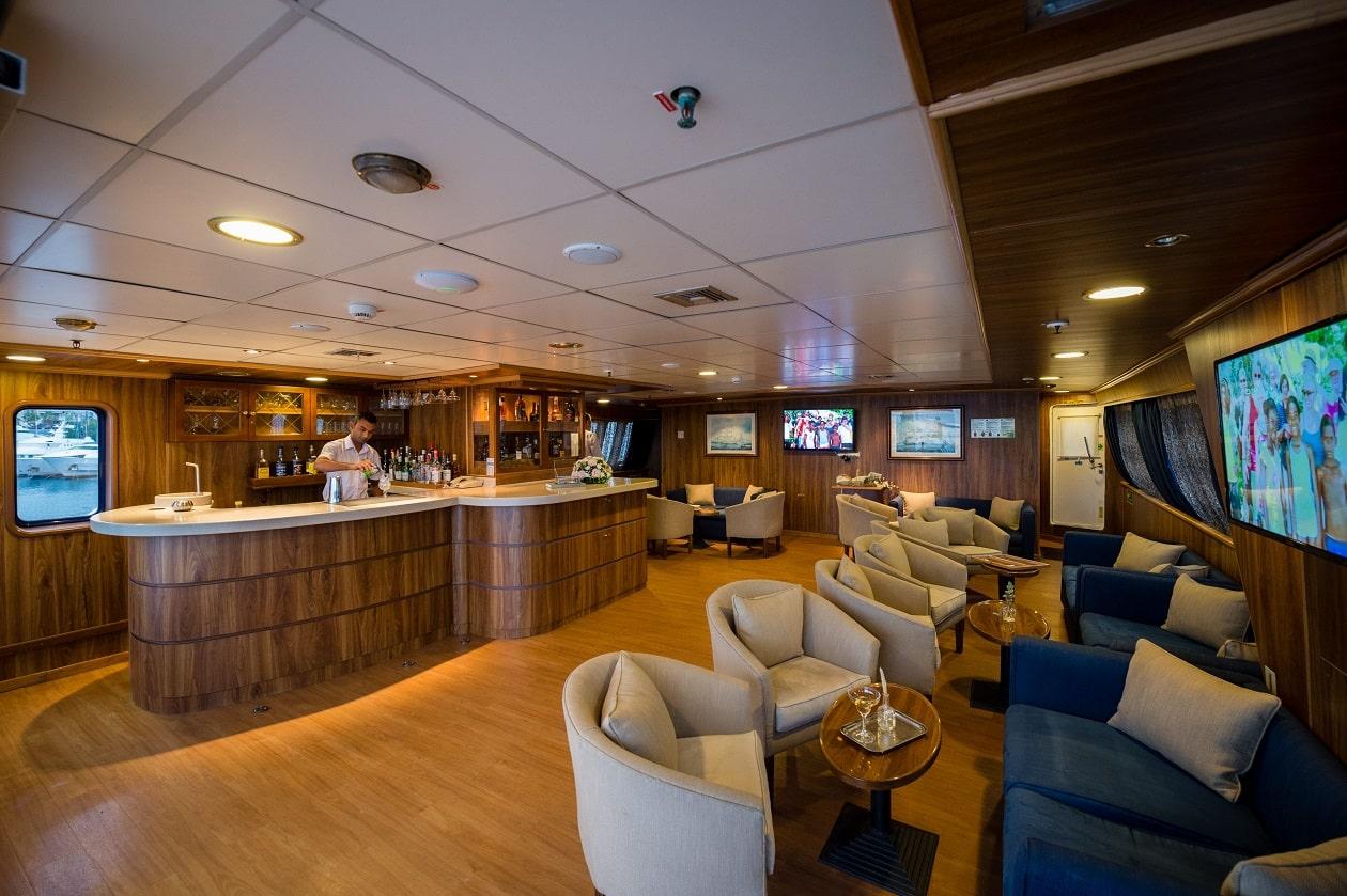 Variety Cruises, Panorama, Bar